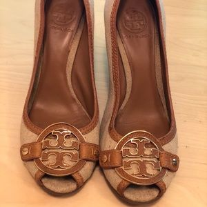 Tory Burch Amanda Open Toe Wedge heel size 9